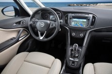 Intuitive usability: The Navi 4.0 IntelliLink infotainment system in the Opel Zafira.