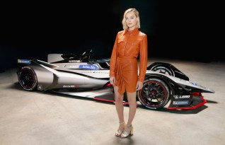 CULVER CITY, CA - APRIL 16: Nissan today completed its Formula E launch tour with Electric Vehicle and sustainability ambassador Margot Robbie, hailing an exciting era for motor sport as Nissan enters the 2018/19 season of ABB FIA Formula E Championship, on April 16, 2018 in Culver City, United States. (Photo by Rachel Murray/Getty Images for Nissan Europe) *** Local Caption *** Margot Robbie
