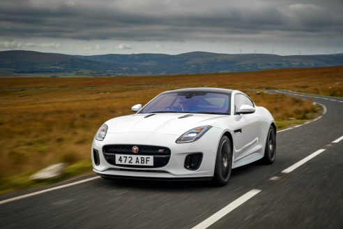 Jag_F-TYPE_20MY_Chequered_Flag_Image_291018_015