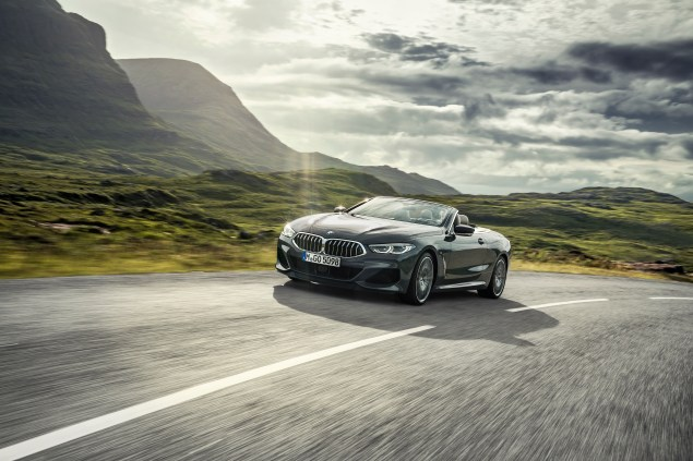 P90327624_highRes_the-new-bmw-8-series