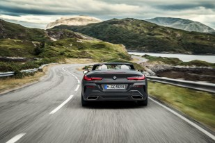 P90327631_highRes_the-new-bmw-8-series