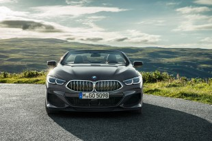 P90327655_highRes_the-new-bmw-8-series