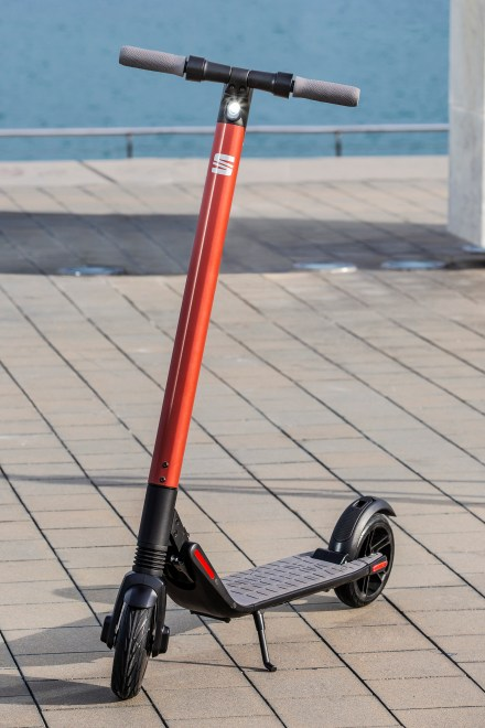 SEAT-micromobility-new-eXS-KickScooter_003_HQ
