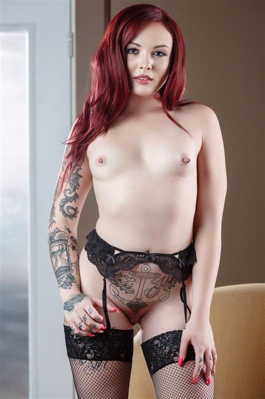 chloe carter naked
