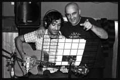 Manu y Gerardo momentos antes de empezar a grabar las acústicas.