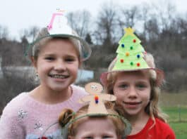 HOW TO MAKE CHRISTMAS HATS