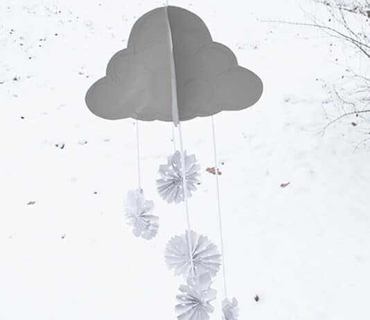 PAPER WINTER CRAFT SNOWFLAKE MOBILE