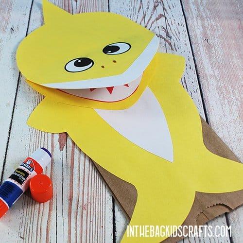 SHARK CRAFTS FOR KIDS BABY SHARK PUPPETS STEP 4