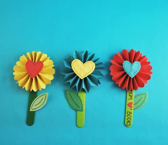 DIY BOOKMARK FLOWER DESIGN FEATURED IMAGE