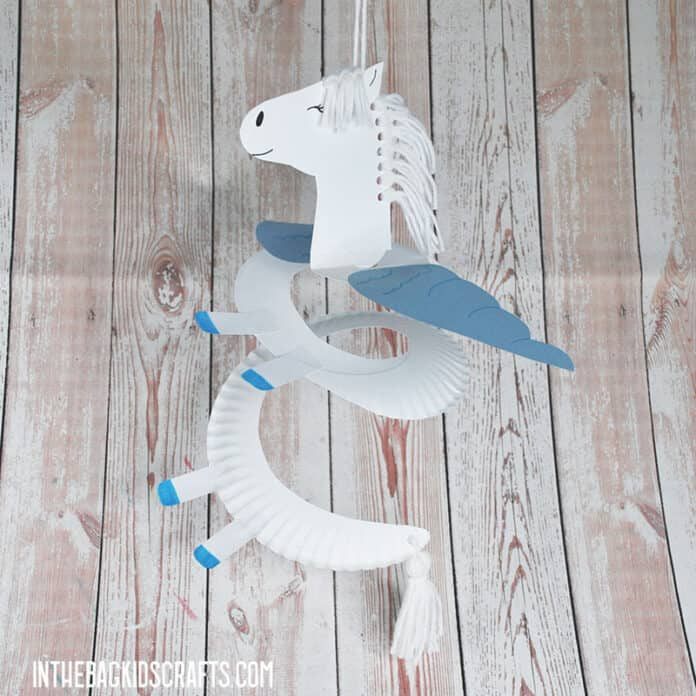 PAPER PLATE HORSE CRAFT WITH WINGS
