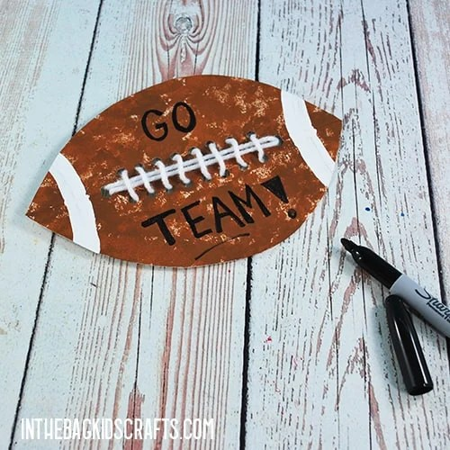PAPER PLATE FOOTBALL CRAFT STEP 6