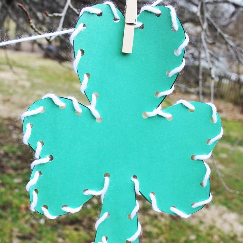 LACED CLOVER CRAFTS FOR KIDS