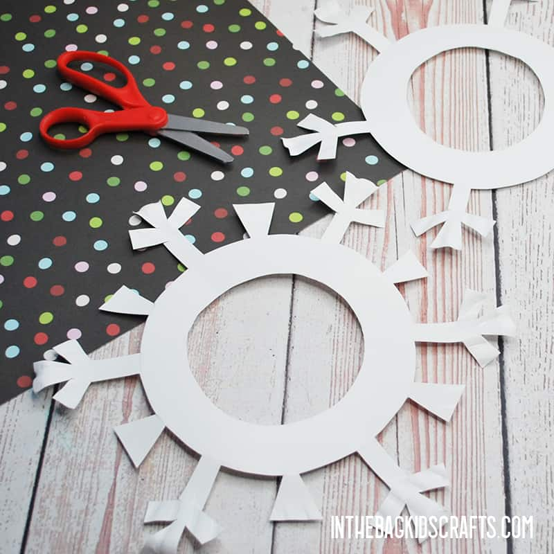PAPER SNOWFLAKE CRAFT WITH LACING STEP 1