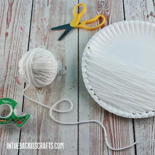 PAPER PLATE CHRISTMAS CRAFT STEP 2