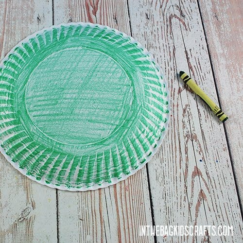 PAPER PLATE TURTLE CRAFT STEP 1