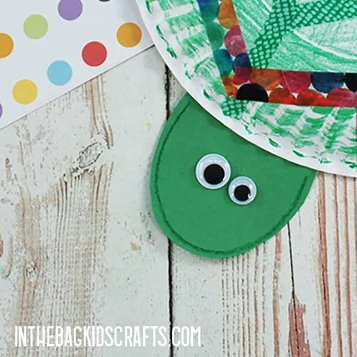 PAPER PLATE TURTLE CRAFT STEP 5