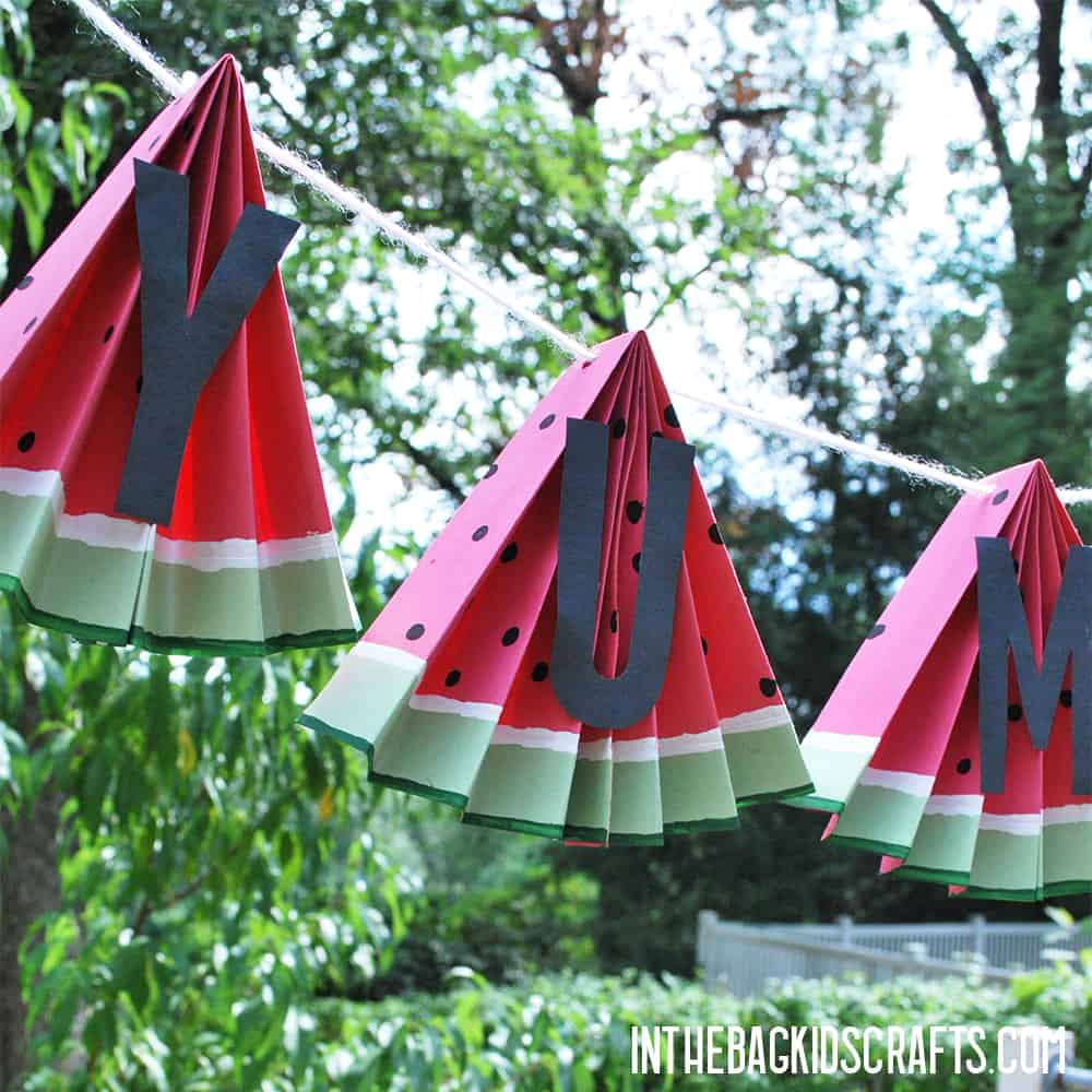 EASY WATERMELON PAPER CRAFTS BANNER