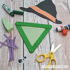 HALLOWEEN MONSTER ARTS AND CRAFTS WITCH STEP 2