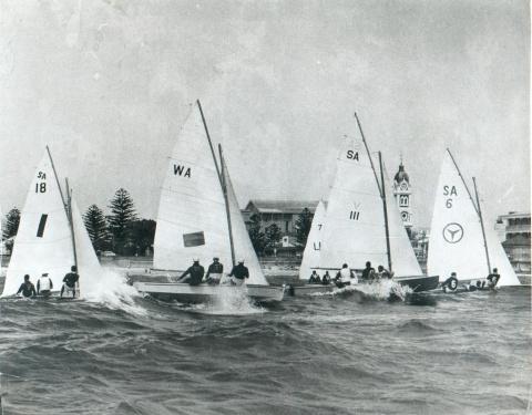 Sharpies racing at Adelade, 1960