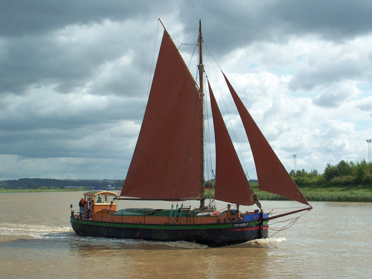 Humber sloop Spider T, rescued and restored by Mal Nicholson and friends – intheboatshed.net