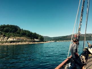 HMS Pickle entering Muros