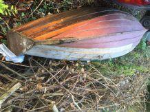 elegant-rowing-boat-1