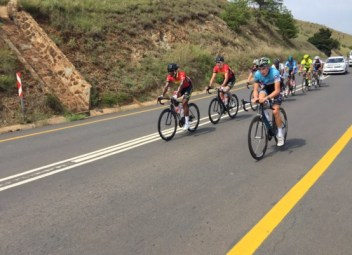 Cyclists in action for stage two of the 2016 Mpumalanga Cycle Tour. Photo: twitter.com/RoadCoverCT