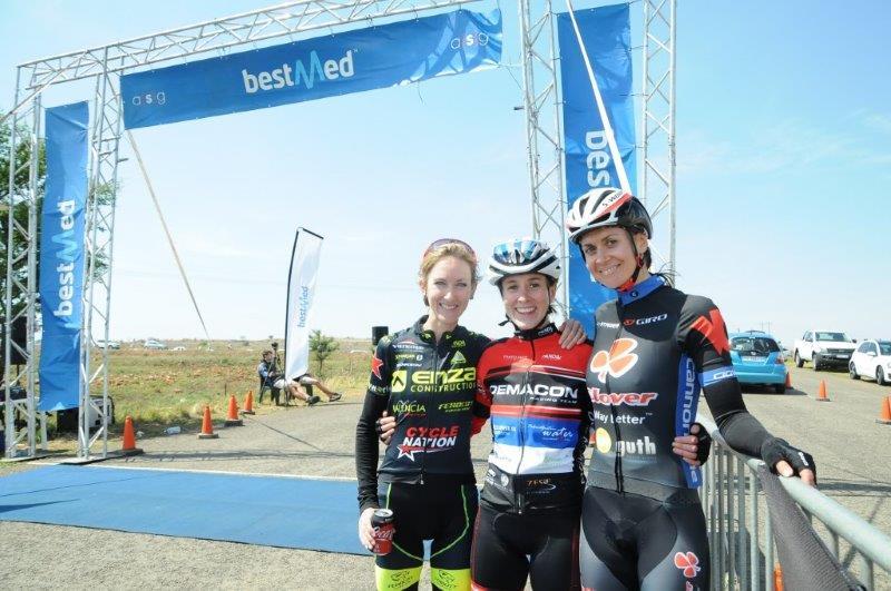 Carla Oberholzer (centre) beat Joanna van de Winkel (left) and Yzette Oelofse to win the Bestmed Satellite Championship in Maropeng today.