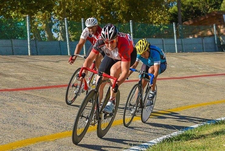 Elfriede Wolfaard will be vying for victory in the women's 3km race at the Paarl Boxing Day track cycling event. Photo: Theo Bruwer