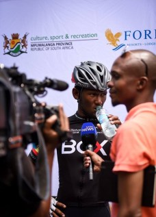 Clint Hendricks interviewed by media at Mpumalanga Tour