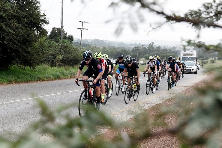 Riders bunching up as shown from an in-bush shot at the Berge en Dale road race yesterday. Photo: Photo: Mariola Biela