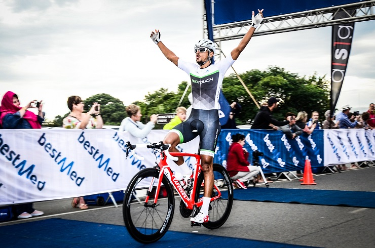 Reynard Butler wins Emperors Palace Road Classic