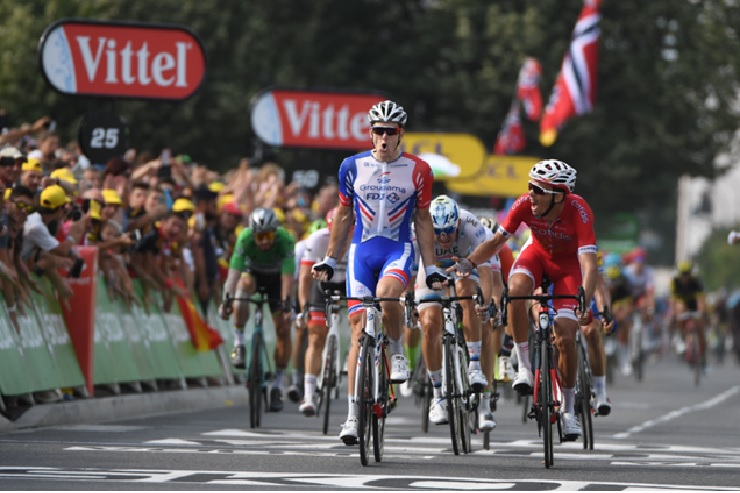 A well-timed lead-out by Groupama FDJ enabled Arnaud Démare to execute a winning sprint in stage 18 of the Tour de France in Pau today. Photo: ASO/Pauline Ballet