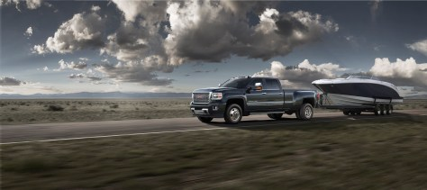 GMC Accessories offers a trailering camera system, produced by Echomaster, for 2014-2016 model year Sierras. The system is fully integrated with the Sierra infotainment system, providing images from up to four cameras on the center display. © General Motors.