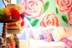 #lillypulitzer #diy #art #girlsbedroom #wallpaper #mural #accentwall #accentwalldiy #flowers #roses #paint