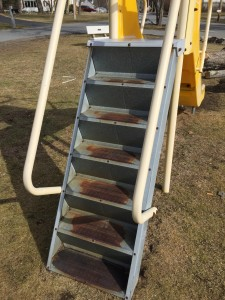 5Crnrs.slide.stairs