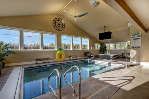 cropped-Langhoff-Pool-Lounge-1.jpg