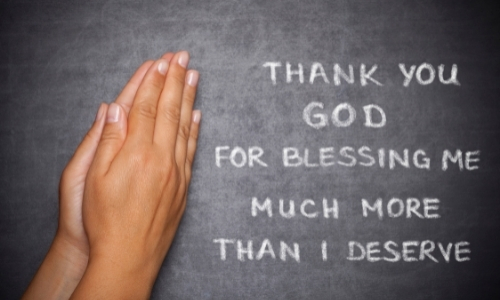 praying hand with message about being grateful