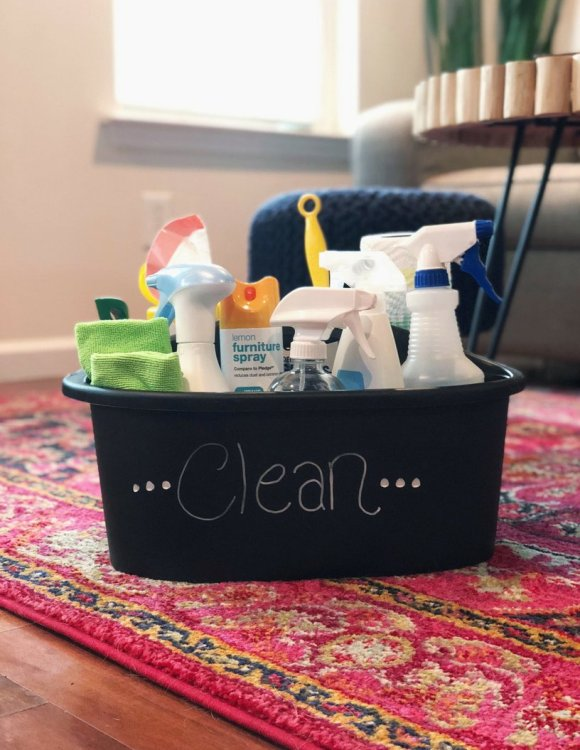 how to stock a cleaning caddy to clean house faster