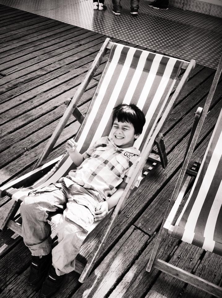 brighton pier deckchairs