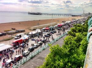 mini owners meet at brighton sea front, loads of minis on the street, mini cars