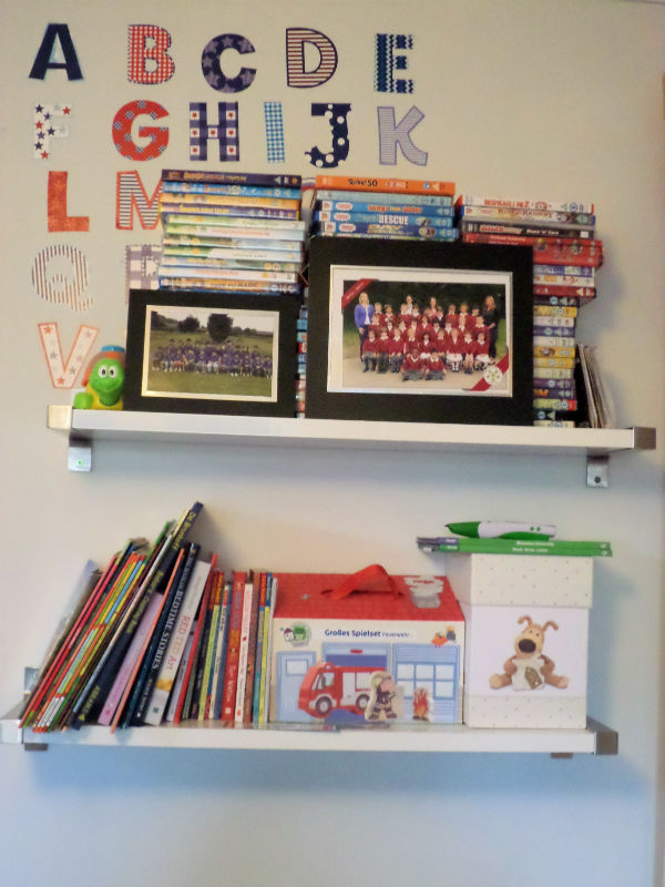 playroom ideas shelves