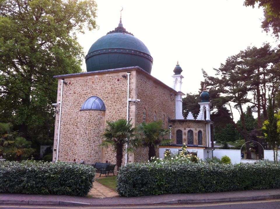 woking mosque first mosque in uk