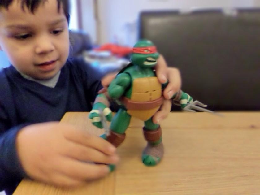 Teenage Mutant Ninja Turtles toys power sound fx figure raphael