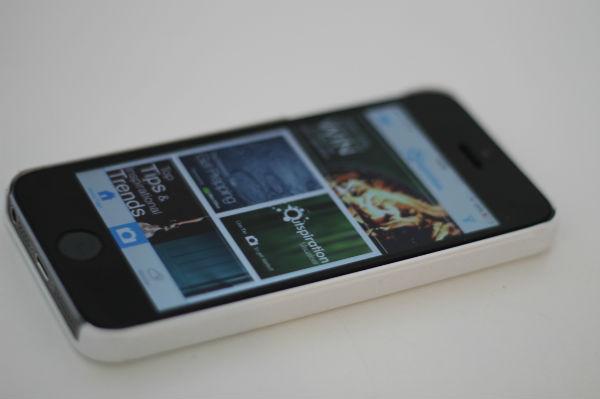 The new AzkoNobel Outspiration app on iPhone 5s