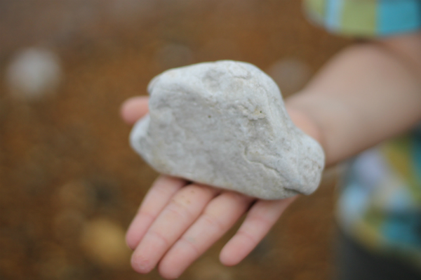 activities and ideas for playing with stones