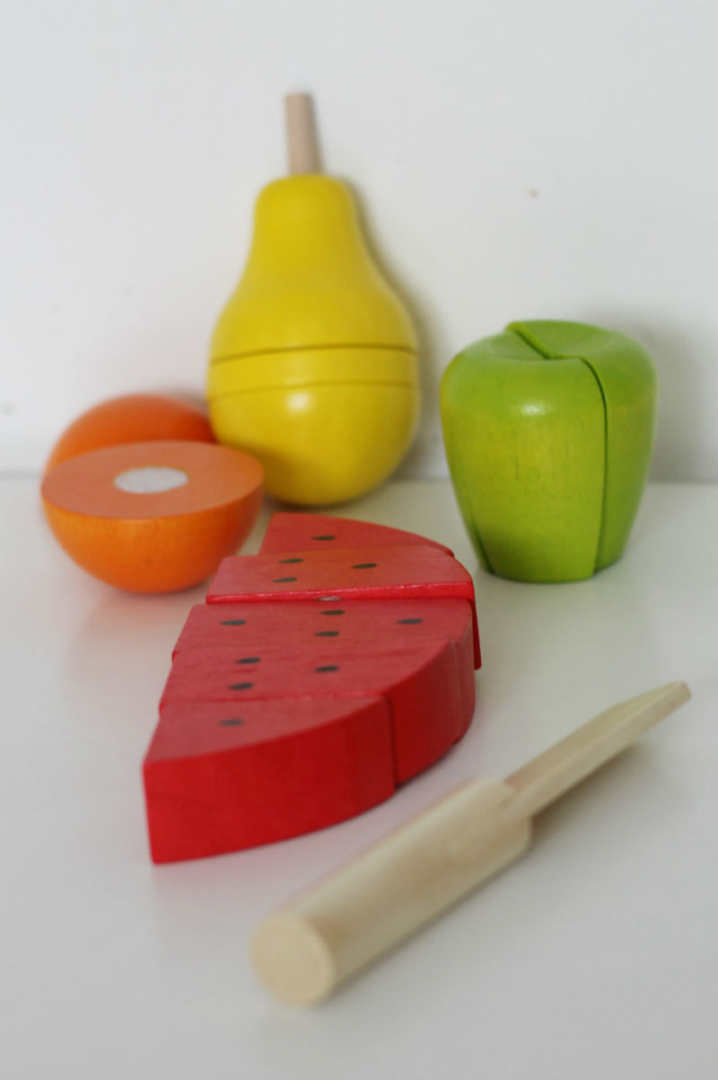 wooden cutting fruit from Bigjigs