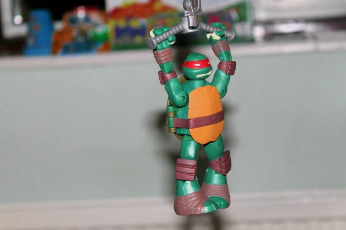 teenage mutant ninja turtles zip line raphael