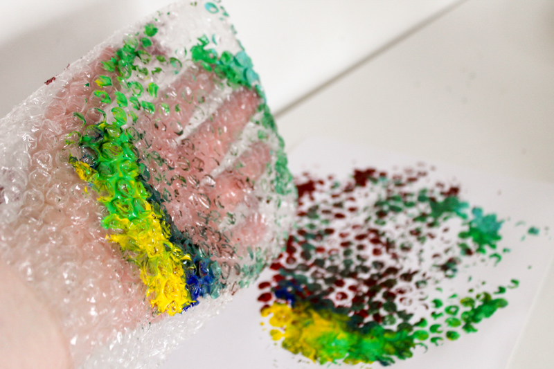 handprinting with bubble wrap