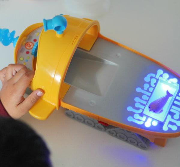 octonauts gup-s light up creature warming tank